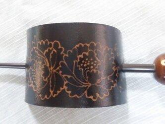 牡丹柄友禅髪留め 茶の画像