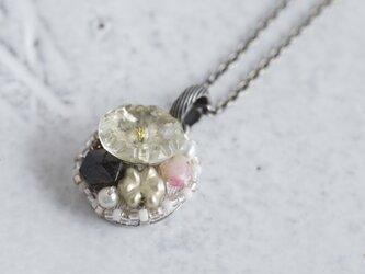 Vintage beads pendant {OP026}の画像