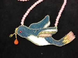 青い鳥のネックレスの画像