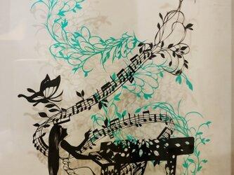 切り絵作品・旋律の画像