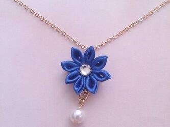 【つまみ細工】小さなお花のネックレス(青1)の画像