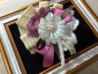 ヘアピンブローチ(ガーベラとピンクりぼん)〜プレリライン〜の画像