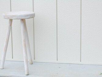 白のスツールの画像