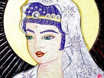 『癒彩百観音』     色の百一     純白金衣観音の画像