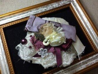 ヘアピンブローチ(紫色りぼんとワインのお花)〜シエルライン〜の画像