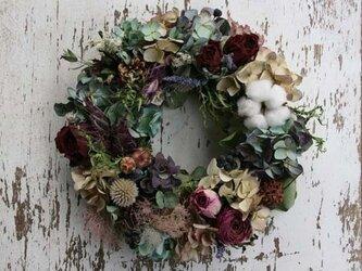 バラと紫陽花のリースの画像