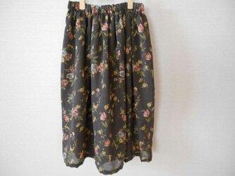 薄手ウールの花柄スカートの画像