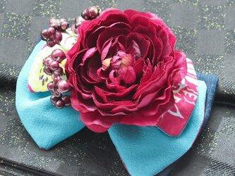 レトロアンティーク髪飾り24(水色リボンに赤紫の牡丹)の画像