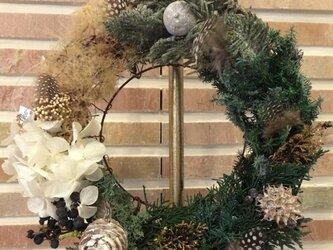 ★クリスマス向け★森を再現したようなナチュラルなリースの画像