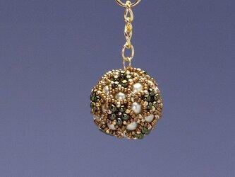 星型の花模様のボールの携帯ストラップ・オリーブ&ブラウンの画像