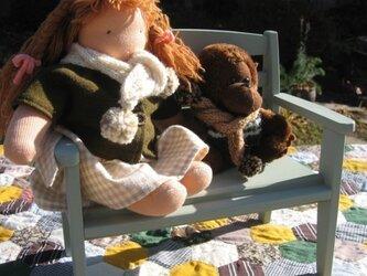 ウォルドルフ人形のベンチ(椅子)の画像