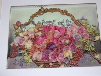 薔薇の花かごのレカンフラワーの画像