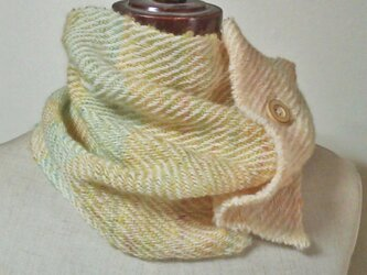 3パターンで使える手紡ぎ糸のネックウォーマー 手織り、オリジナル染め ホームスパンの画像