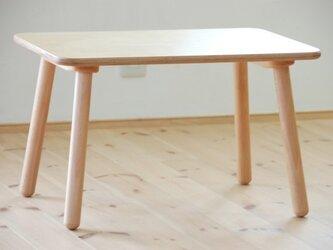 子供テーブルの画像