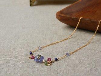 贅沢ストーンのお花ネックレス♪の画像