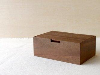 ウォールナットの小箱の画像