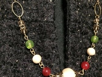 クリスマスカラーのネックレスの画像