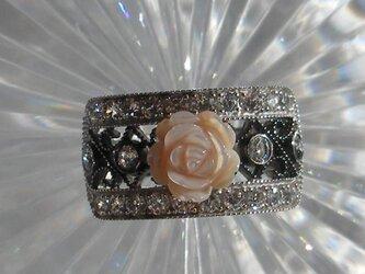 ロココ調バラのリングの画像