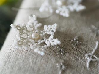*雪の結晶のピアス/イヤリング*【オーダーメイド】の画像
