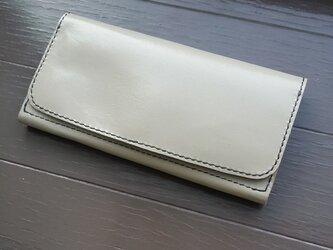 コンパクトな長財布の画像