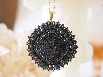 花ネックレスの画像