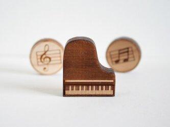 ブローチ music (ピアノ)の画像