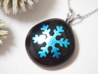雪の結晶ネックレスの画像
