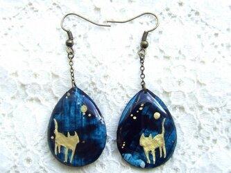 猫のピアスPブルー雫型の画像