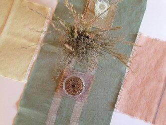 手織り ラミー糸テーブルランナーの画像