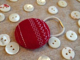 ミシン刺繍くるみボタンのへアゴム m-11の画像