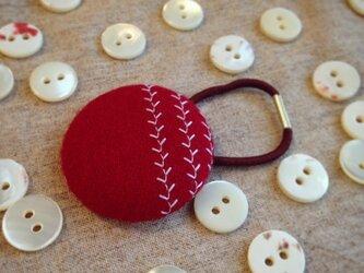 ミシン刺繍くるみボタンのへアゴム m-12の画像