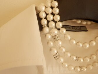 Grande long necklace (white)の画像