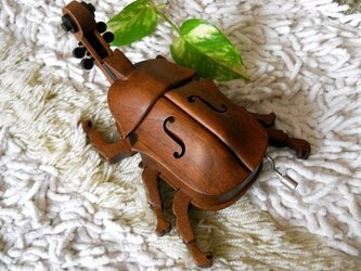 The Beatles in the beetle♪ (Music box)の画像