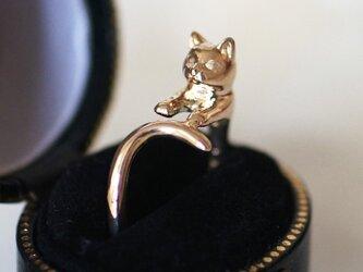 金の猫リングの画像
