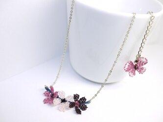 イーネオヤの小さいお花のネックレス アジャスター蝶々付の画像