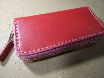 ピンクのファスナーコインケースの画像