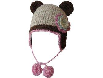 耳あて&くま耳付帽子(ベージュx茶色)3色のお花付き(46cm)の画像