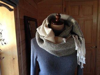 手織り カウチング糸のスヌードの画像