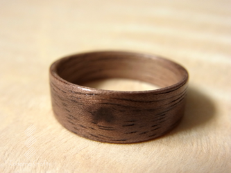 手作り木の指輪~ウォルナッツ~の画像