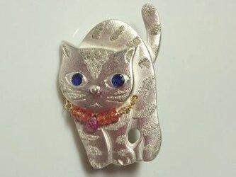 青い目のネコ ブローチ 2の画像