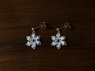 【オーダー品】雪の結晶ピアス〈オフホワイト〉*タティングレース*の画像
