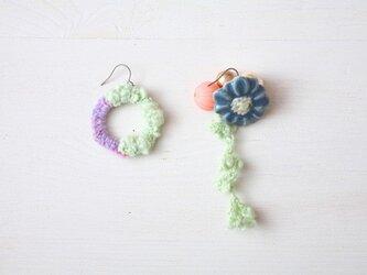 スイングニット ピアス mint flower  の画像