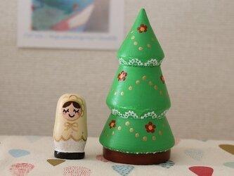 レースのクリスマスツリーマトリョーシカの画像