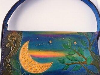 本革バック~照らしだす月の光~の画像