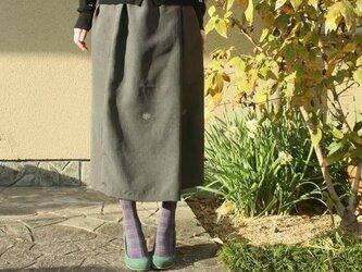 男性用紋付き羽織から作ったすっきりシルエットのロングスカートの画像