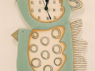 とり型(親子)の陶製時計の画像