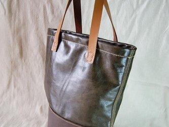 【送料無料!】手縫いのツートンバケツ底トートバッグの画像