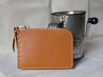 L字ファスナーの小型財布 キャメルの画像