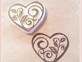 【プレゼントにも】*Leaves in the heartの画像