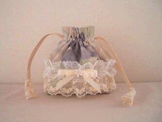 パープル花柄のかわいいレース巾着の画像